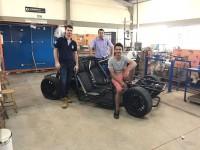 Acadêmicos que participaram da reconstrução do carro: Andrey Molinari, Eric Valentim, Fernando Silva